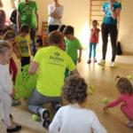 Dzieci na urodzinach w Krakowie pod opieką animatora