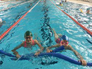 Ćwiczenia w nauce pływania Kraków